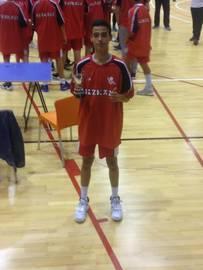 Txorierri Basket Sondika 2004 (E) taldeko Jon Gil jokalaria Euskal Herriko Txapeldun Bizkaiko selekzioarekin
