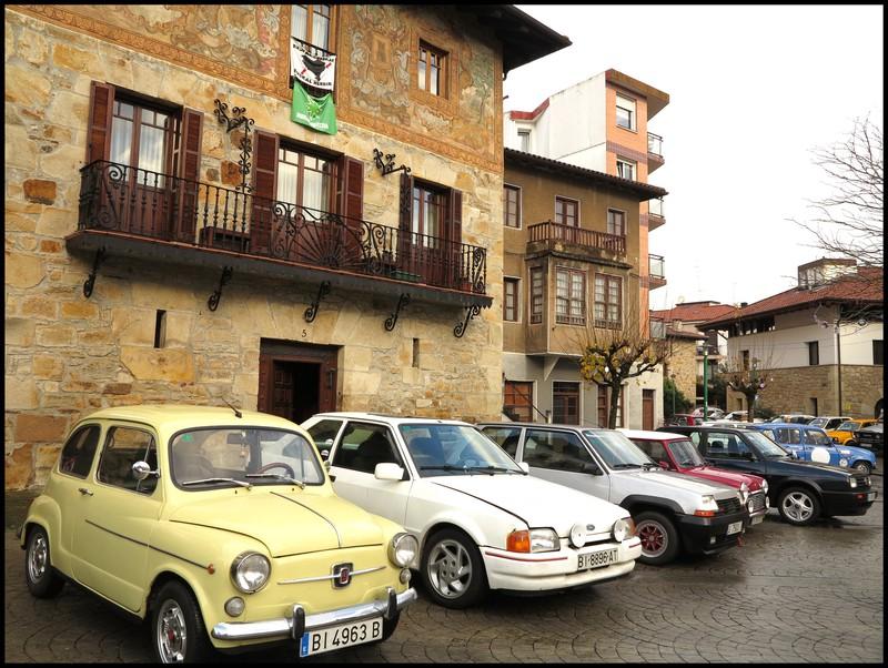 100 auto klasiko inguru batu ziren atzo Larrabetzun