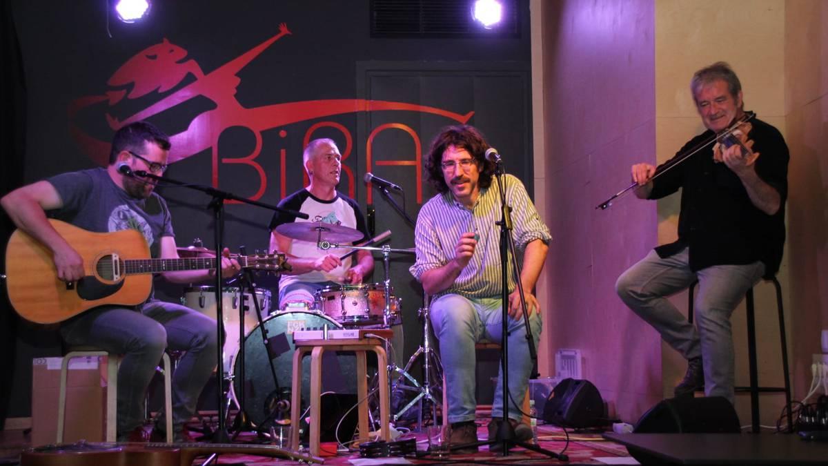 Konpost musika-taldea, Hori Bai gaztetxean